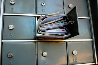 schránka plná pošty