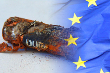 batéria prekrytá vlajkou EÚ