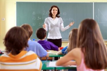 trieda žiakov s učiteľkou